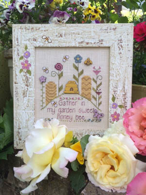 Sweet Honey Bee - Cross Stitch Pattern