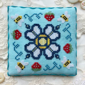 Berry Buzz - Cross Stitch Pattern