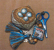 Chipping Sparrow Biscornest - Cross Stitch Pattern